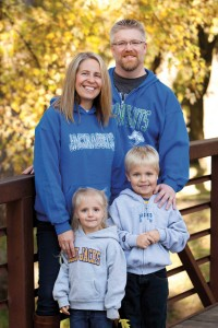 Michael Hart IV and Jennifer Hart with their children, Michael V and Kenlyn in 2014.